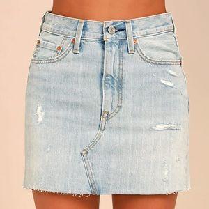 Levi's || Denim Mini Skirt